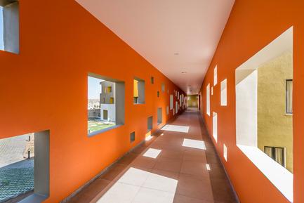 Dossier de presse | 1432-01 - Communiqué de presse | Studios 18 - Sanjay Puri Architects - Residential Architecture - CORRIDOR - Crédit photo : Vinesh Gandhi