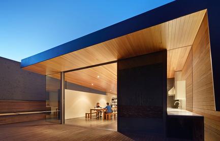 Dossier de presse | 1891-02 - Communiqué de presse | Hybrid Design - Terry & Terry Architecture - Commercial Architecture - upper floor addition - Crédit photo : Bruce Damonte