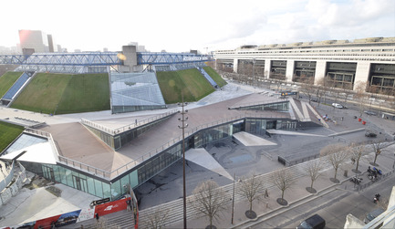 Press kit | 2042-01 - Press release | The AccorHotels Arena - DVVD architecture, design and engineering agency - Commercial Architecture - Exterior view after<br>  - Photo credit: DVVD