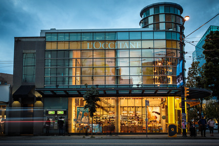 Press kit | 2124-01 - Press release | The Illuminating Engineering Society of British Columbia announces its 'Vision Award' winners for 2016 - IESBC - Lighting Design - L'Occitane en Provence Vancouver flagship store  - Photo credit: Johnny Milkovich - DOUBLE VISION Photography