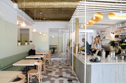 Press kit | 1097-05 - Press release | Café Pista - Les Ateliers Guyon - Commercial Interior Design - Café Pista - Photo credit: Éliott Légaré