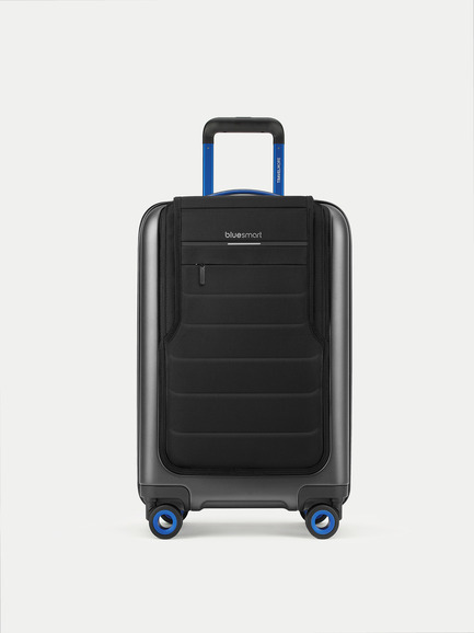 "Press kit | 2104-01 - Press release | Design Achievement to Impact Travelers Everywhere: Bluesmart One Suitcase Awarded ""Best of the Best"" Product Design by Red Dot - Bluesmart - Product - Bluesmart One Carry-on - Photo credit: Bluesmart"