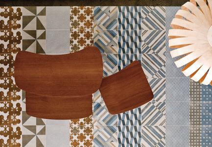 Dossier de presse | 798-04 - Communiqué de presse | Ramacieri Soligo presents the ''Azulej'' collection from Patricia Urquiola - Ramacieri Soligo - Product - Plancher bases Grigio  - Crédit photo : Alessandro Paderni