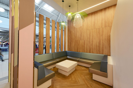 Press kit | 896-09 - Press release | Les Saisons - Arte Charpentier Architectes - Commercial Architecture - Photo credit: Alain Caste