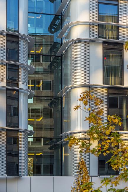 Dossier de presse | 896-10 - Communiqué de presse | Hôtels Ibis Styles et Pullman à Roissypôle - Arte Charpentier Architectes - Architecture commerciale - Crédit photo : Christophe Valtin