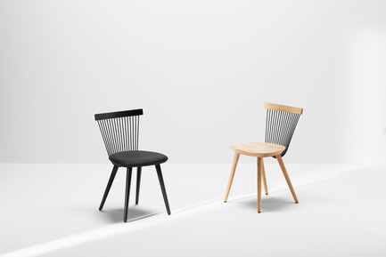 Press kit | 1539-03 - Press release | WW Chair - H Furniture Ltd. - Industrial Design -  WW Chair&nbsp;<br>Left - Wood: oak, stained black. Upholstery: black fabric&nbsp;<br>Right - Wood: oak&nbsp;  - Photo credit: Peter Guenzel