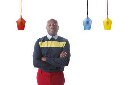 Dossier de presse | 990-04 - Communiqué de presse | KAYIWA's CARAT LED Pendant Lamps Shine Bright Like a Diamond - KAYIWA - Design d'éclairage -  Designer/Artist Lincoln Kayiwa's portrait  - Crédit photo : KAYIWA