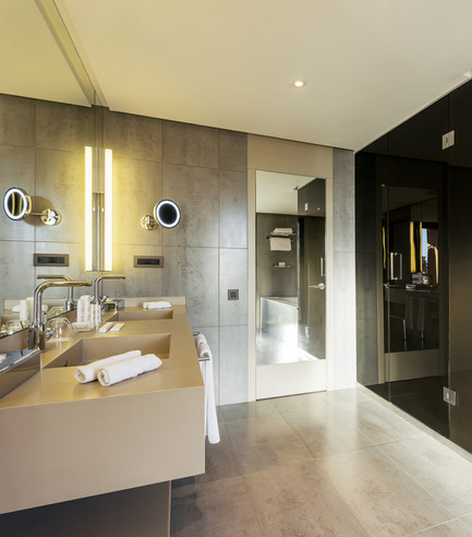 Press kit | 2177-01 - Press release | Atelier Pod Designed the Guest Rooms of the New Radisson Blu in Marrakech - Atelier Pod - Commercial Interior Design - Radisson Blu Marrakech_Junior Suite Bathroom 2 - Photo credit: Atelier Pod