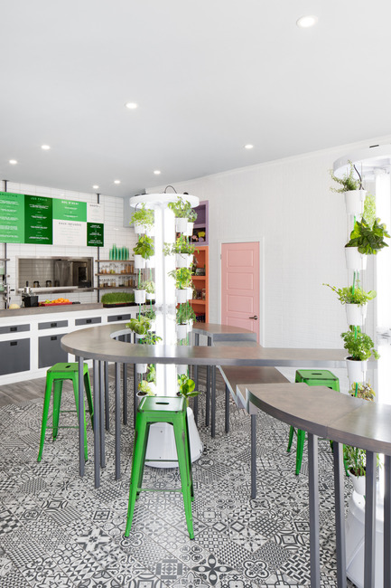 Press kit | 1215-03 - Press release | A refreshing design for a healthy menu - ISSADESIGN - Commercial Interior Design - On the table - Photo credit: Adrien William