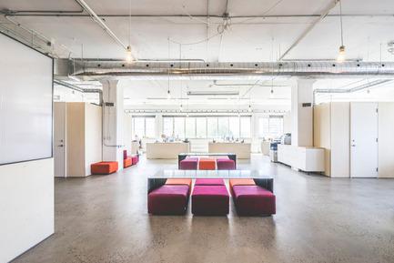 Press kit | 1142-05 - Press release | Piknic Électronik Montréal - L. McComber - Commercial Interior Design - Overview - Photo credit:  Raphël Thibodeau
