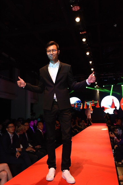 Press kit | 2188-01 - Press release | Red Dot Award: Design Concept 2016 Results - Red Dot Award: Design Concept - Industrial Design - Taiwanese designer representing Fo Guang University on the runway for Red Dot winning concept X Cones - Photo credit: Red Dot Award: Design Concept