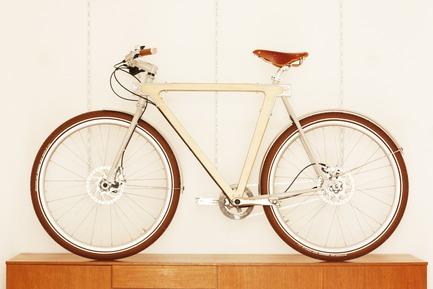 Press kit | 1091-01 - Press release | WOOD.b Handmade Wooden Bike - BSG BIKES - Product - Photo credit: by spielplatz. 2013