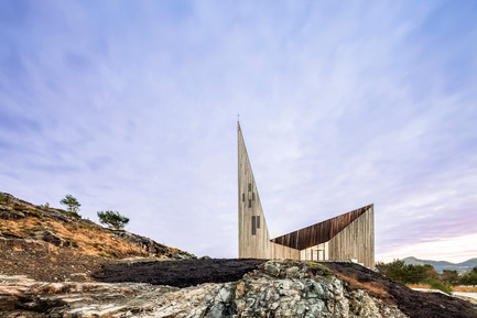 Press kit | 2220-01 - Press release | Knarvik Community Church - Reiulf Ramstad Arkitekter - Institutional Architecture - Photo credit: Hundven-Clements_Photography