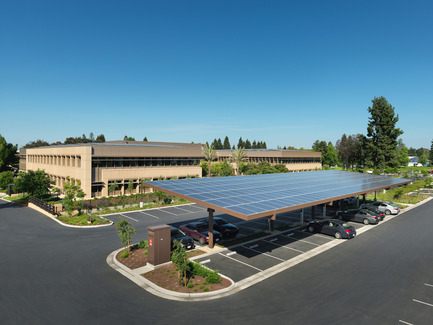 Press kit | 2229-01 - Press release | Hanover Page Mill Demonstrates Strong Partnership Between Form and Sustainability - Form4 Architecture - Commercial Architecture - Solar panels in parking area - Photo credit: Rien van Rijthoven <br>