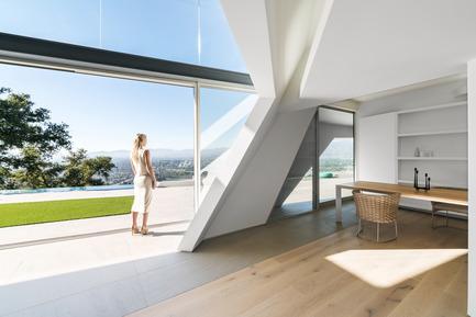 Press kit | 2244-01 - Press release | MU77 Receives 2016AIA|LA Design Award - Arshia Architects,ltd - Residential Architecture - MU77-LIVING/DINING - Photo credit: PAUL VU
