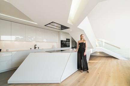 Press kit | 2244-01 - Press release | MU77 Receives 2016AIA|LA Design Award - Arshia Architects,ltd - Residential Architecture - MU77-KITCHEN - Photo credit: PAUL VU
