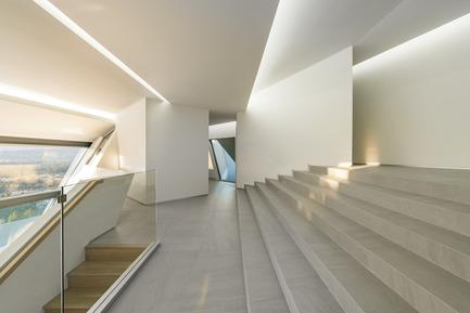 Press kit | 2244-01 - Press release | MU77 Receives 2016AIA|LA Design Award - Arshia Architects,ltd - Residential Architecture - MU77-ENTRY - Photo credit: PAUL VU