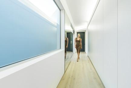 Press kit | 2244-01 - Press release | MU77 Receives 2016AIA|LA Design Award - Arshia Architects,ltd - Residential Architecture - MU77-BEDROOM STORAGE - Photo credit: PAUL VU