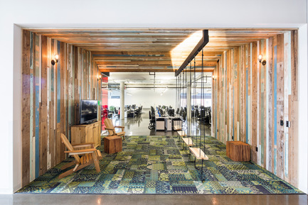 Press kit | 1152-08 - Press release | Four-Season Work and Play Areas at Ubisoft Quebec City - LumiGroup - Commercial Interior Design - 'Summer room' <br>Absolux Lighting: Wall fixture Keiko; MP Lighting: L52;&nbsp;Osram Lighting  - Photo credit: Jonathan Robert
