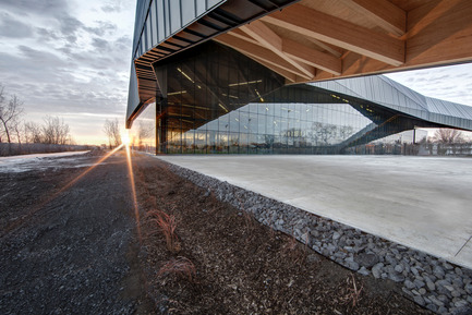 "Press kit | 2206-01 - Press release | ""Stade de soccer de Montréal"" Awarded at AAP American Architecture Prize 2016 - Saucier + Perrotte Architectes/HCMA - Institutional Architecture -  View on exterior multifunctional space  - Photo credit: Olivier Blouin"