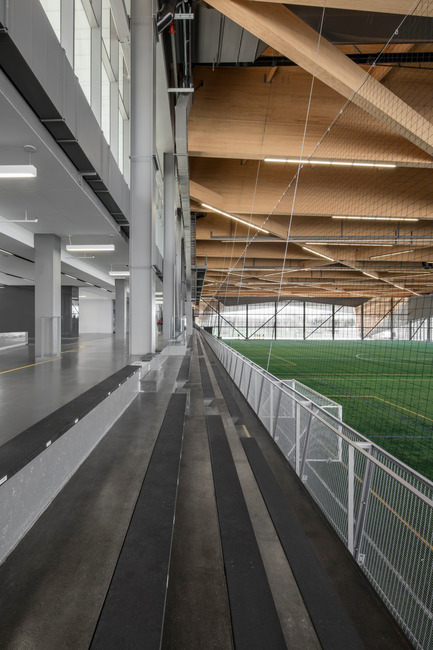 "Press kit | 2206-01 - Press release | ""Stade de soccer de Montréal"" Awarded at AAP American Architecture Prize 2016 - Saucier + Perrotte Architectes/HCMA - Institutional Architecture - View from the stands on the interior field - Photo credit: Olivier Blouin"