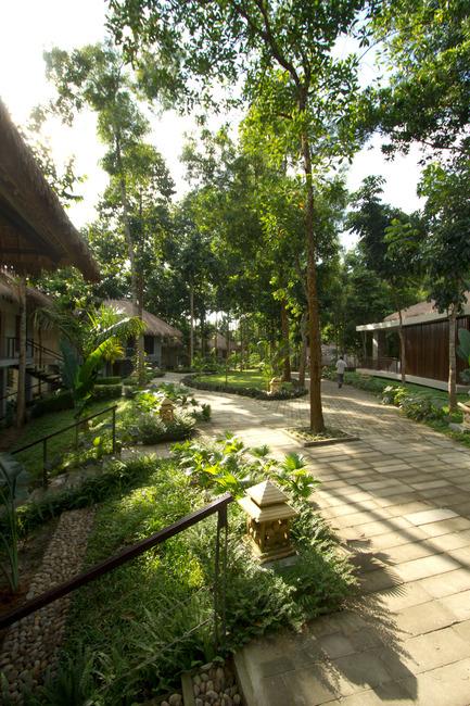 Dossier de presse | 2249-01 - Communiqué de presse | Dusai Resort & Spa - VITTI Sthapati Brindo Ltd. - Residential Architecture - Landscape & Walkway - Crédit photo : Ahsanul Haque Rubel