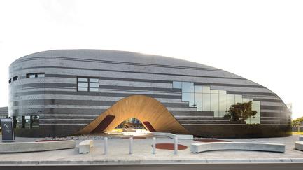 Press kit | 2259-01 - Press release | The Infinity Centre, Penleigh and Essendon Grammar Senior School - McBride Charles Ryan - Institutional Architecture - Main Entrance - Photo credit: John Gollings
