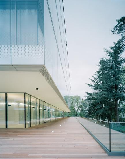 Press kit   2237-01 - Press release   World Trade Organization - wittfoht architekten - Institutional Architecture - accessible wooden deck - Photo credit: brigida gonzález<br>