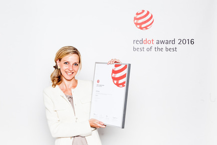 "Press kit | 1696-12 - Press release | Red Dot Award: Product Design 2017 – 50 free registration places for upcoming designers - Red Dot Award - Competition - Johanna Otto, young professional in 2016, received the distinction ""Red Dot: Best of the Best"" for her earring design.<br> - Photo credit: Red Dot<br>"