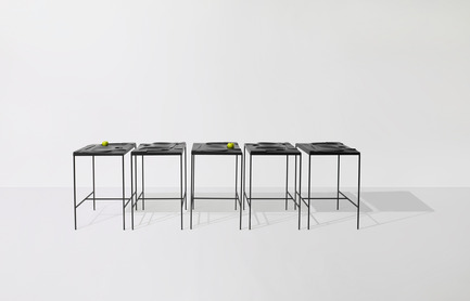 Press kit | 1048-05 - Press release | +tongtong introduces the Mooncake serving tray/table concept - +tongtong - Product - Photo credit: Colin Faulkner, +tongtong