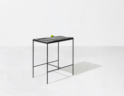 Dossier de presse | 1048-05 - Communiqué de presse | +tongtong introduces the Mooncake serving tray/table concept - +tongtong - Product - Crédit photo : Colin Faulkner, +tongtong