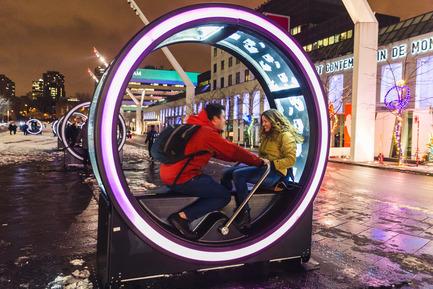 Press kit | 583-17 - Press release | Luminothérapie:Loop's Giant Illuminated Wheels Take Over the Place des Festivals - Quartier des spectacles Partnership - Event + Exhibition - Luminothérapie, Loop. Place des Festivals, Quartier des Spectacles, Montreal. - Photo credit: Ulysse Lemerise/OSA Images