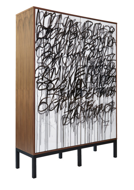 Dossier de presse | 1176-15 - Communiqué de presse | Top 2017 Design Trends Forecasted by IDS17 - Interior Design Show (IDS) - Évènement + Exposition - IDS17 MAKER, Morgan Clayhill's handmade wooden Graffiti Cabinet<br> - Crédit photo : Morgan Clayhill