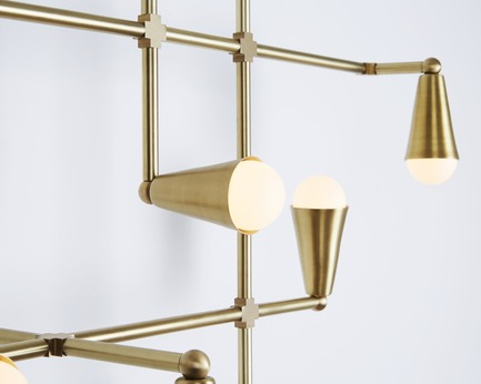 Dossier de presse | 1665-01 - Communiqué de presse | Toronto-Based Lightmaker Studio Launches the Mode and Float Series of Lighting at IDS Toronto - Lightmaker Studio - Design d'éclairage - Zig-Zag - Crédit photo : Naomi Finlay