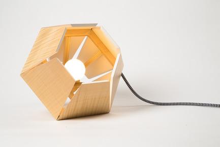 Dossier de presse | 2141-01 - Communiqué de presse | Objetik:Boutique. Design. Québec. - Objetik - Design industriel - Lampe Capside - Crédit photo : Loïc Bard