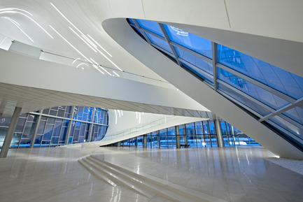 Dossier de presse | 1080-02 - Communiqué de presse | International Awards shortlist announced - INSIDE: World Festival of Interiors - Competition - Heydar Aliyev Centre, Azerbaijan<br>by Zaha Hadid Architects
