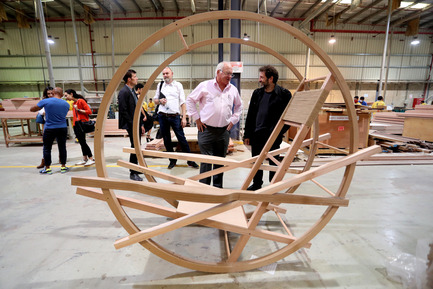 Dossier de presse | 1834-12 - Communiqué de presse | Design Days Dubai 2017: International Design Talent, Premieres and Special Projects bring design to life - Design Days Dubai - Évènement + Exposition -  Pivot Chair designed by Fadi Sarieddine  - Crédit photo :  Image Courtesy of American Hardwood Export Council