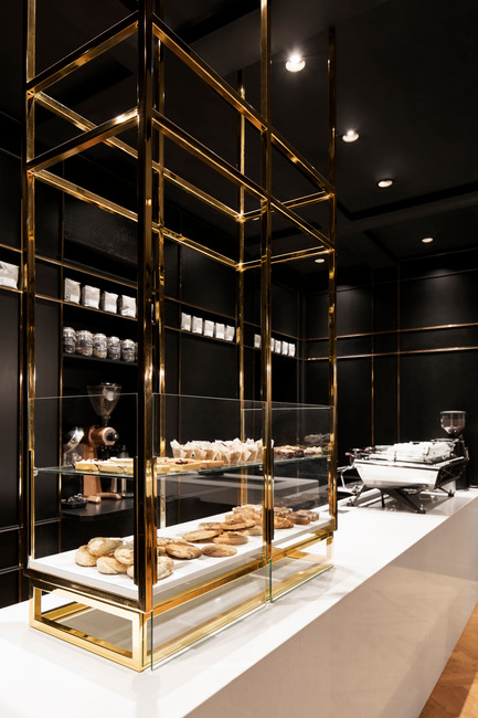 Press kit | 760-13 - Press release | The Standard Café - Jean de Lessard, Designers Créatifs - Commercial Interior Design - Pastry showcase - Photo credit: Adrien Williams
