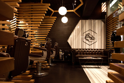 Dossier de presse | 2204-05 - Communiqué de presse | Adam Grooming Atelier - Eray Carbajo - Commercial Interior Design - Adam Grooming Interiors - Crédit photo : Thierry Sewell Photography