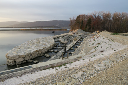 Press kit | 2230-01 - Press release | A new Landscape for the New Hydropower Plant Hagneck in Switzerland - Raymond Vogel Landschaften AG - Landscape Architecture -  Entrance to the upstream fish migration.<br>     - Photo credit:            Raymond Vogel, Zürich