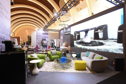 Press kit | 1594-04 - Press release | Asia's Leading Design Event Opened its Doors Yesterday to Record Crowds - Design Shanghai - Event + Exhibition - Roche Bobois stand @ Design Shanghai - Photo credit: Design Shanghai