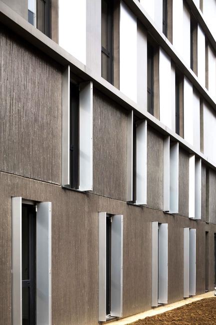 Press kit | 2372-01 - Press release | Résidence de l'Aqueduc in Gentilly / France - Daquin & Ferrière Architecture - Residential Architecture -  Residence de l'Aqueduc - Gentilly / France <br>DAQUIN & FERRIERE ARCHITECTURE  <br>Facade East detail base<br> - Photo credit: Hervé Abbadie
