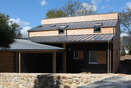 Dossier de presse | 949-04 - Communiqué de presse | Une maison bioclimatique à Auray en Bretagne - Patrice Bideau - Architecture résidentielle - Crédit photo : Armel Istin