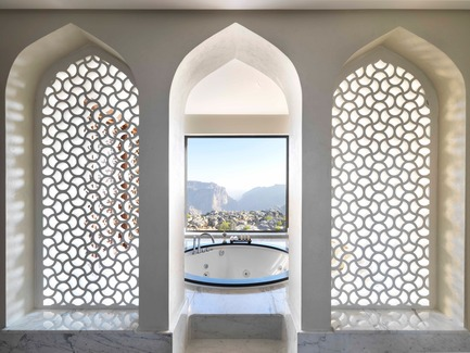 Press kit | 2177-02 - Press release | Lotfi Sidirahal from Atelier Pod Designs the Highest Five Star Resort in the Middle East: Anantara Jabal Akhdar - Atelier Pod - Lifestyle - 3 Bed Royal Mountain Villa Jacuzzi  - Photo credit: Anantara Jabal Akhdar