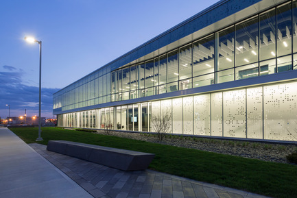Dossier de presse | 886-02 - Communiqué de presse | Centrexpo Cogeco Drummondville - CCM2 architectes + Bilodeau Baril Leeming architectes - Architecture commerciale - Crédit photo : Dave Tremblay