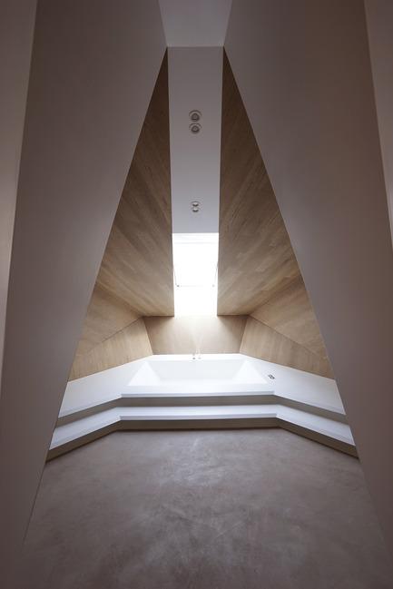 Press kit | 2483-01 - Press release | Loft Panzerhalle - smartvoll - Residential Architecture - Spa hideaway - Photo credit: Tobias Colz/smartvoll