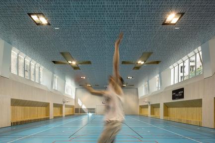 Dossier de presse | 2388-01 - Communiqué de presse | LESS - L'amplificateur urbain - AAVP ARCHITECTURE - Architecture résidentielle -  Gymnase Type B  - Crédit photo : © Luc Boegly