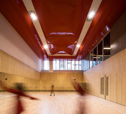 Dossier de presse | 2388-01 - Communiqué de presse | LESS - L'amplificateur urbain - AAVP ARCHITECTURE - Architecture résidentielle - Salle de danse - Crédit photo : © Luc Boegly