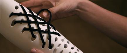 Press kit | 2467-01 - Press release | Confetti Prosthetic Leg Cover - Furf Design Studio - Product - The holes engraved unto the prosthetic leg allow it to be customizable. - Photo credit: Furf Design Studio