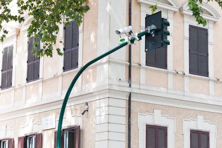 Press kit | 2504-01 - Press release | Sense - Smart-I Srl - Product - Sense on the street - Photo credit: Roberto Maurizio Paura